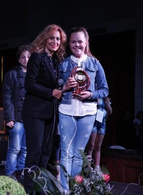 Grazia-Di-Michele-premia-Ilenia-Suffredini-1^-Under-14-294x400